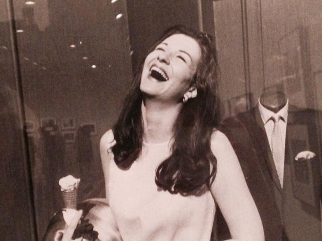 Winogrand la pilla riendo en Nueva York (1968)