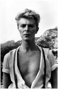 El carisma de David Bowie por Helmunt Newton en 1982